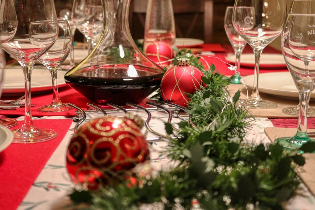 How To Place Wine and Water Glasses On A Dinner Table