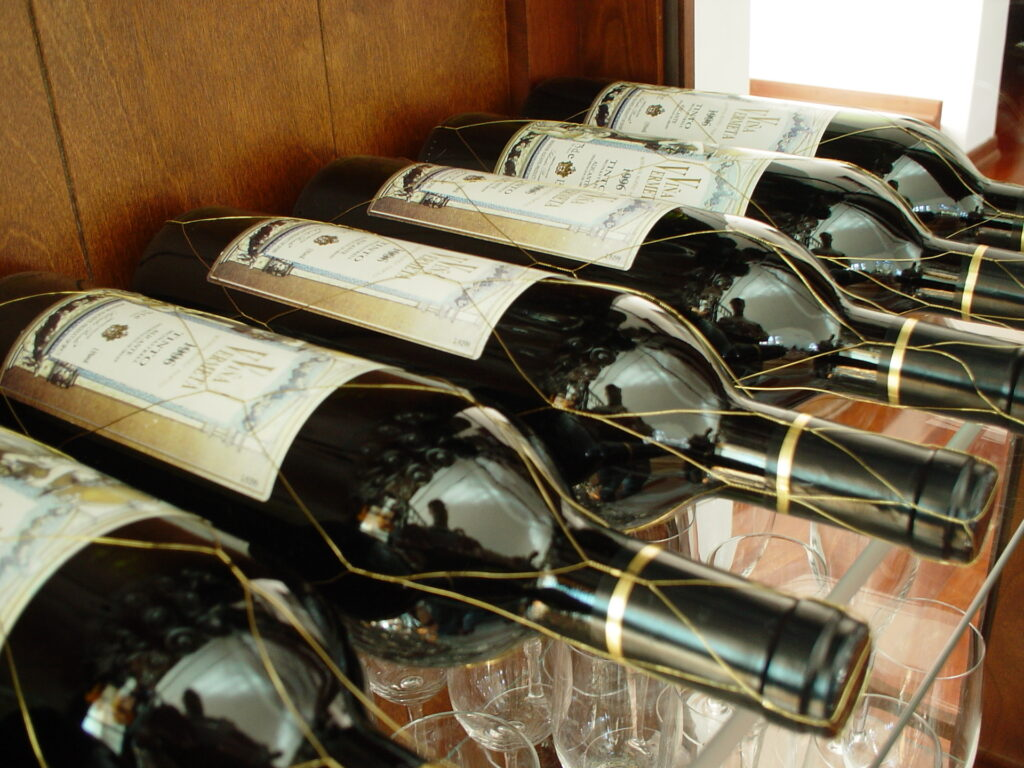 Should Wine Be Kept In The Fridge? A Guide To Keeping Wine Fresh And Delicious
