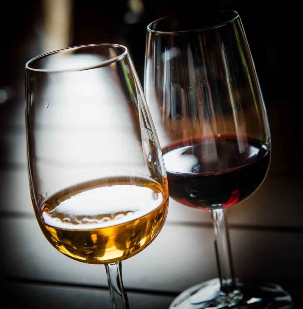 The Difference Between Red And White Wine Glasses: